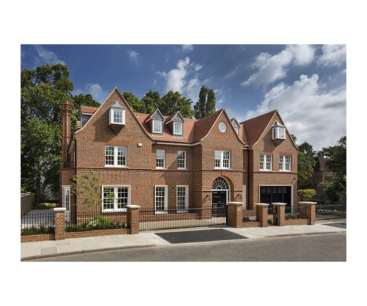 8 bedroom house for sale in North London