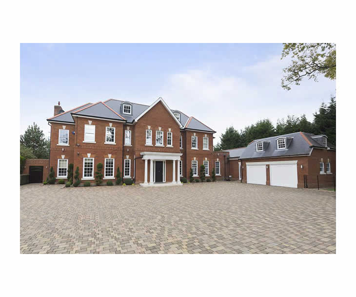 7 bedroom house for rent in Walton-On-Thames