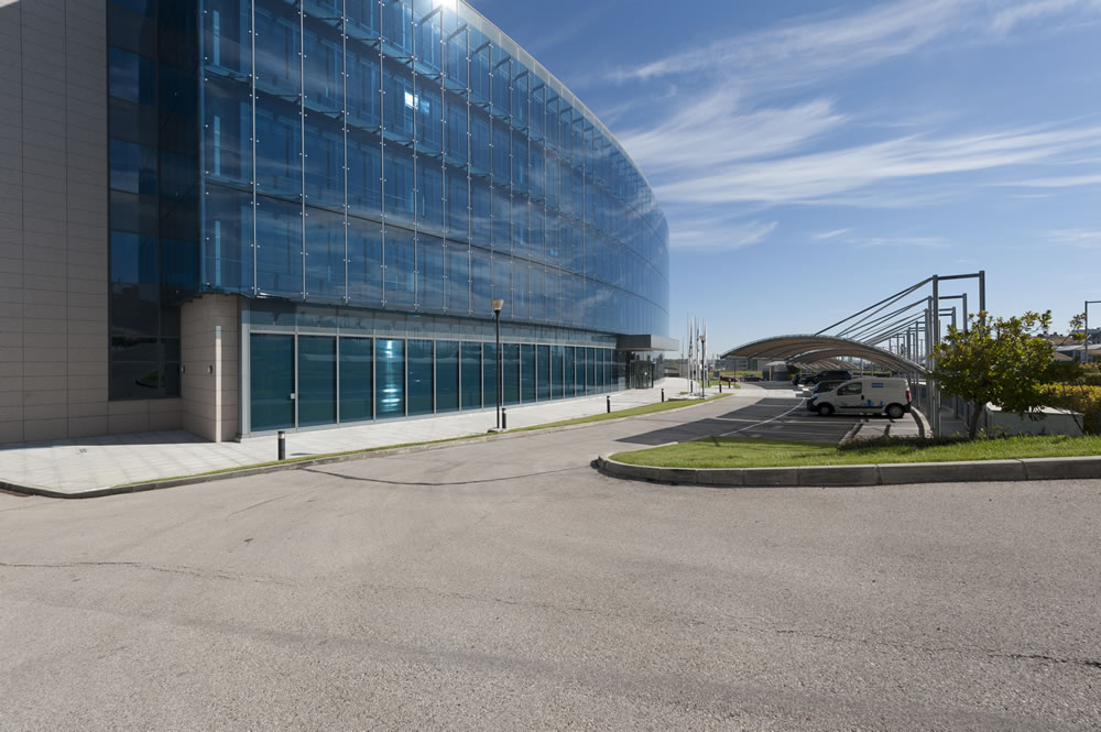 Edificio aquamarina for Oficinas mcdonalds madrid
