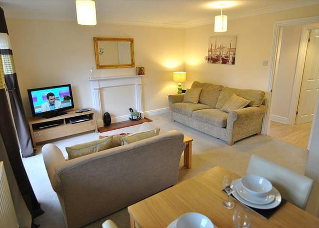 2 Bedroom House For Rent In Garfield Place Windsor Berkshire Sl4