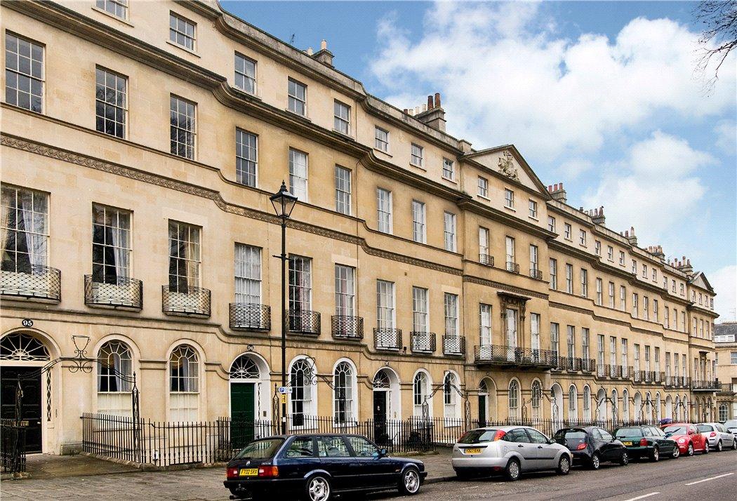 Sydney Place, Bath, Somerset, BA2 A thee bedroom plus study upper  maisonette in central Bath, BA2
