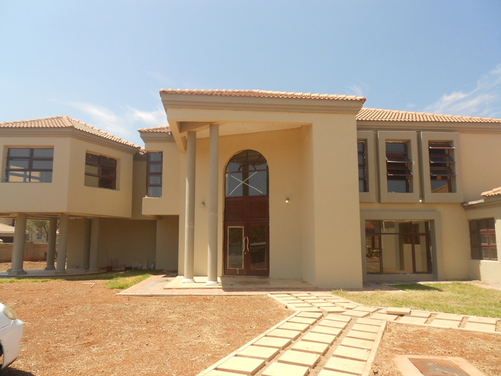 estate houses for sale