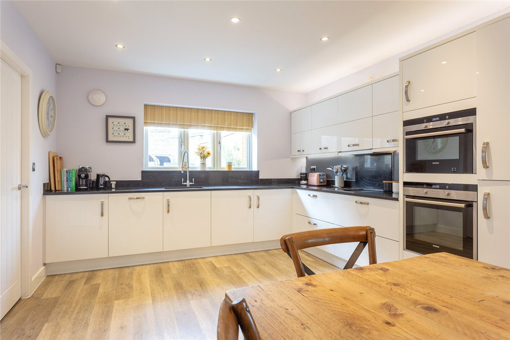 House For Sale In Adlards Walk Winchcombe Cheltenham
