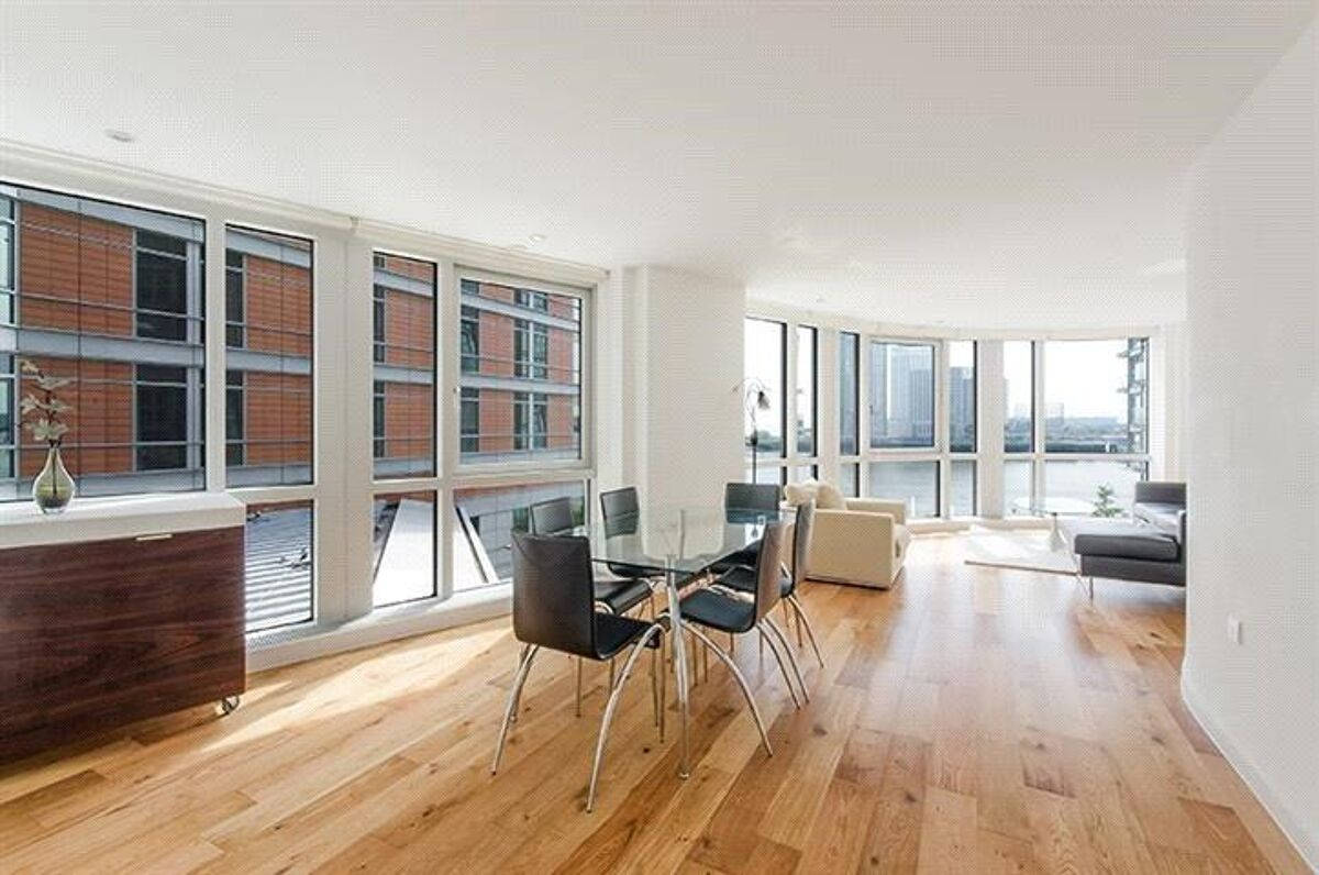 flat for sale in Ontario Tower, 4 Fairmont Avenue, London ...