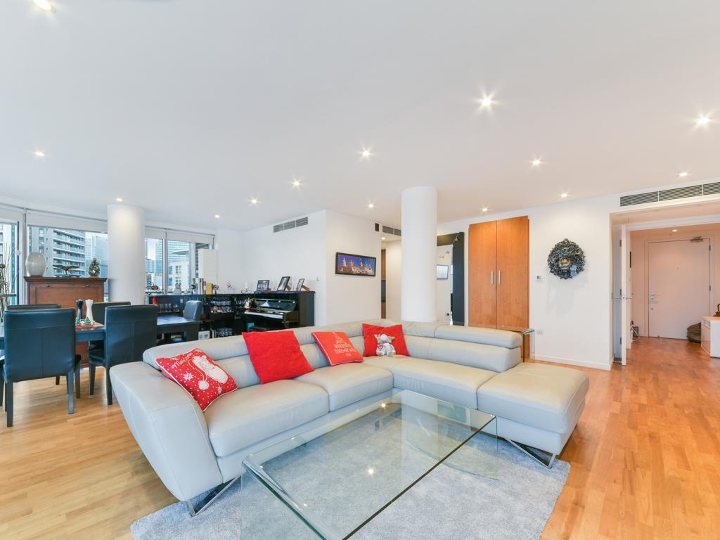1 Fairmont Ave, Blackwall, London E14 9PB, UK - Source: Knight Frank