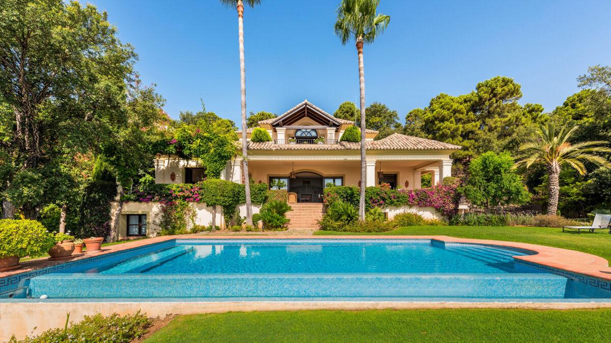 Villa For Sale In La Zagaleta Benahavis Malaga Dm4527 Knight Frank