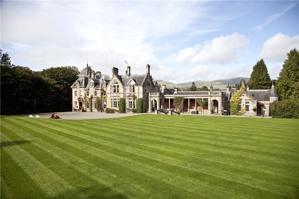 Spectacular scottish castles and estates for sale for Castle mansions for sale