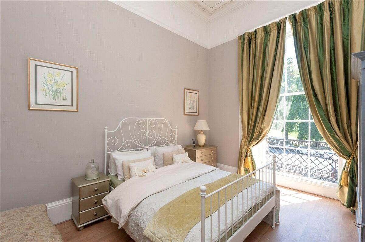 flat for sale in Hillside Crescent, Edinburgh, Midlothian ...