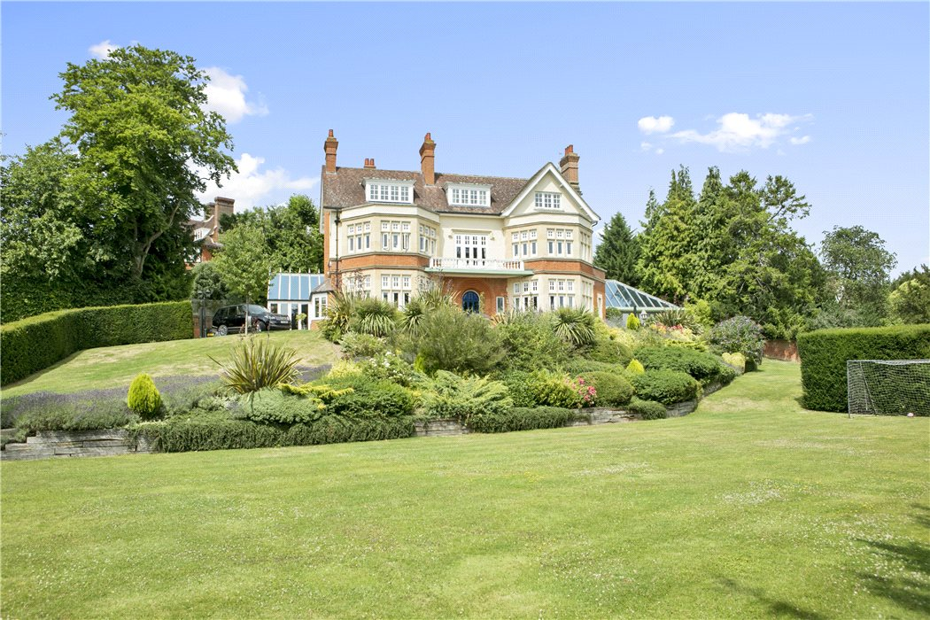 Uk country houses for sale country estate sales knight for Private estates for sale