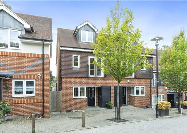 3 Bedroom House For Sale In Uplands Road Guildford Surrey Gu1