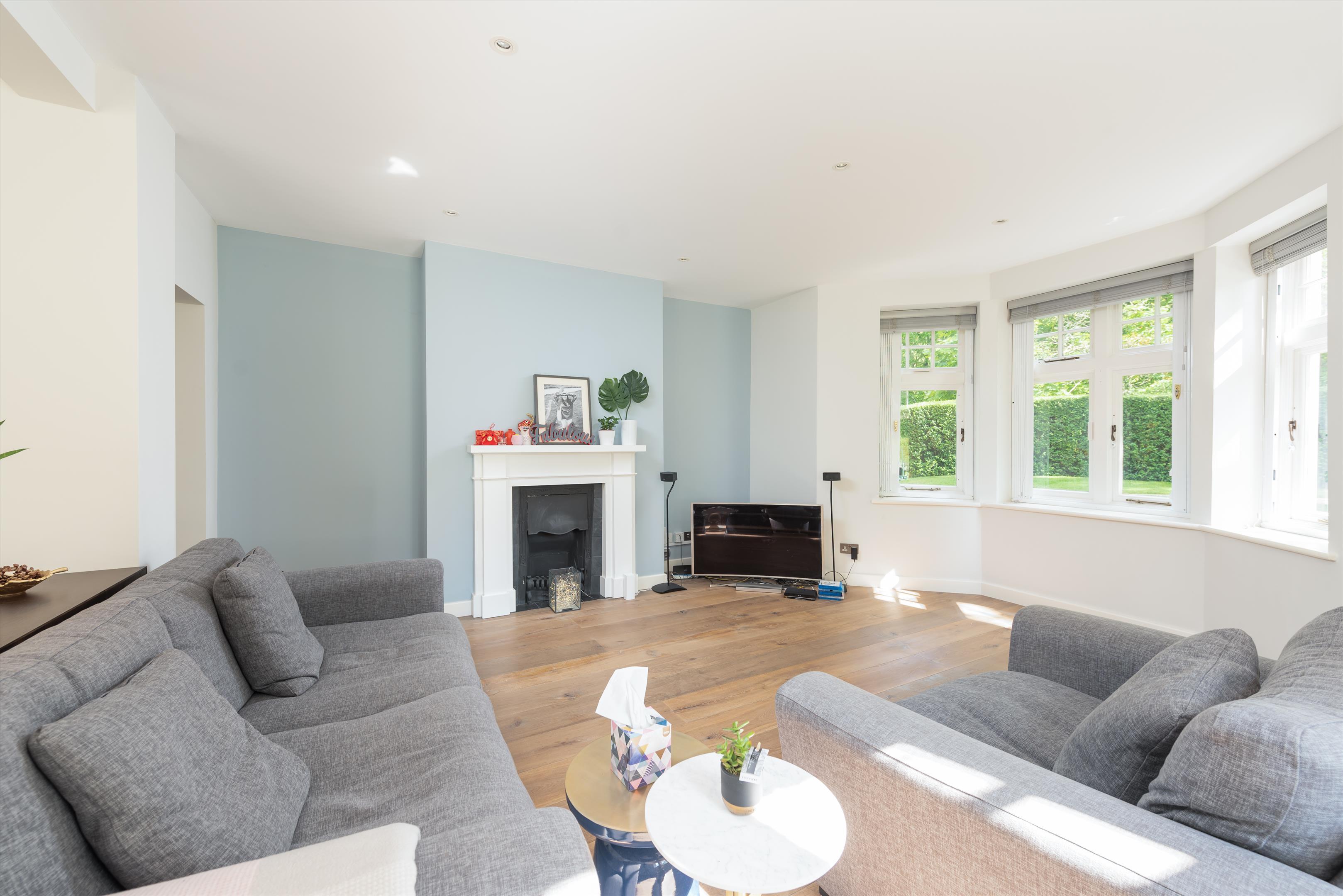 6 E Heath Rd, London NW3 1BP, UK - Source: Knight Frank