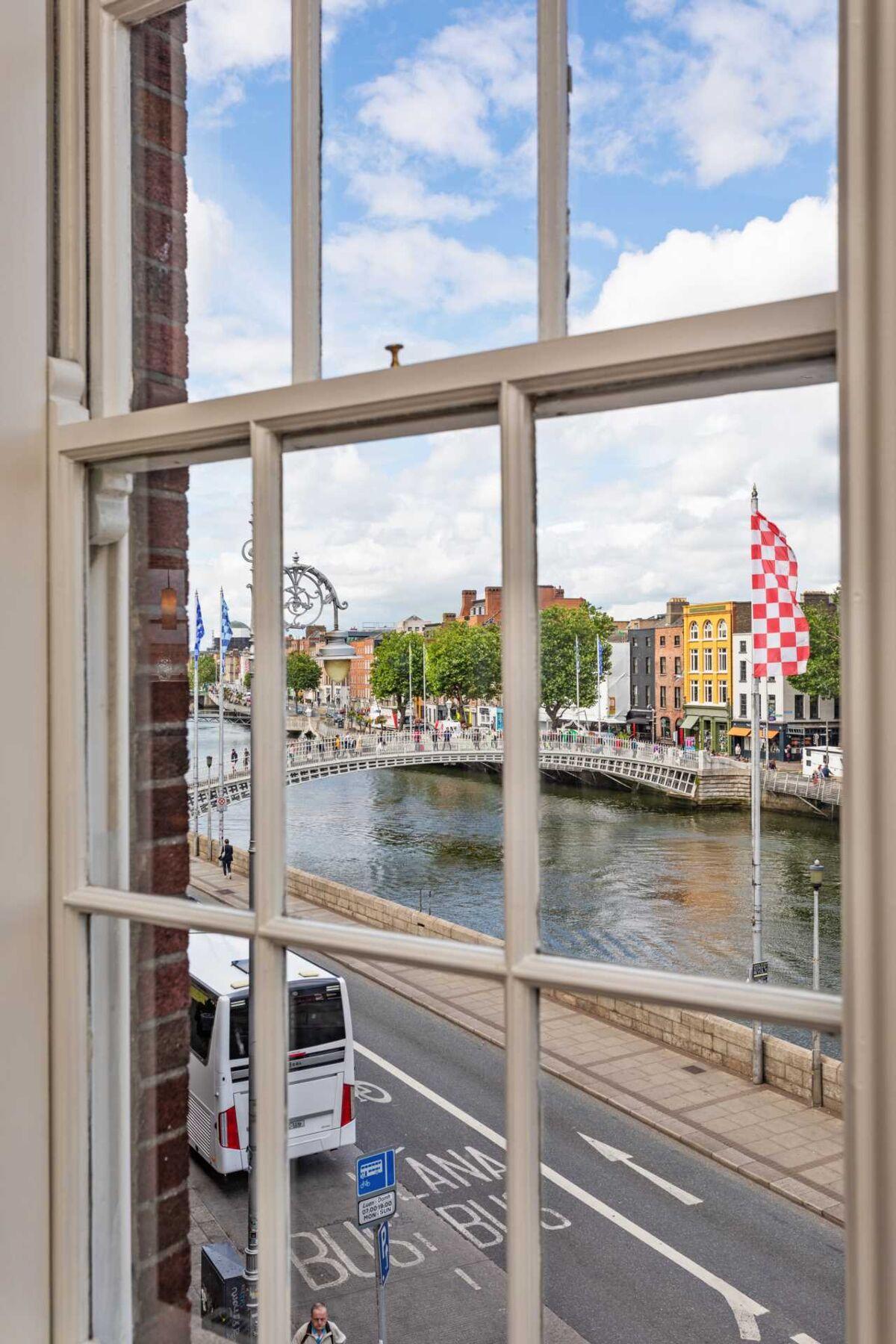 apartment for sale in 5 Aston Court, Dublin 2 - HTMO6337 ...