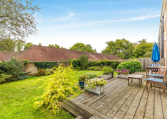 3 bedroom flat for sale in Stonehills Court, College Road, Dulwich, London, SE21