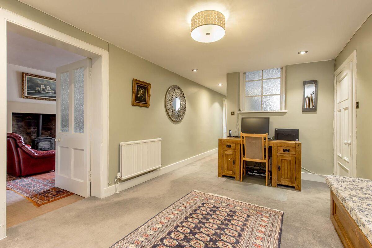 flat for sale in Grosvenor Crescent, Edinburgh, EH12 ...