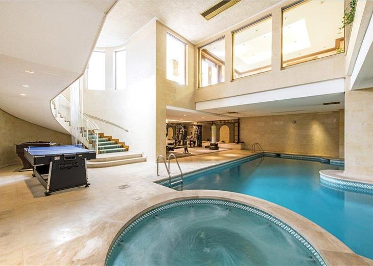 Houses For Sale With Swimming Pool In The Uk Knight Frank Uk