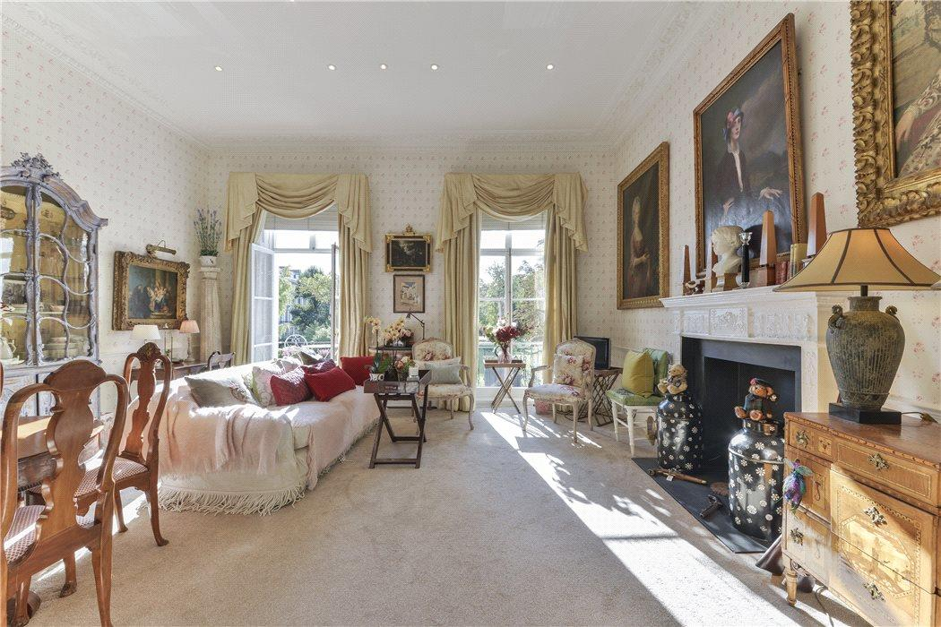 flat for sale in Onslow Square South Kensington London SW7