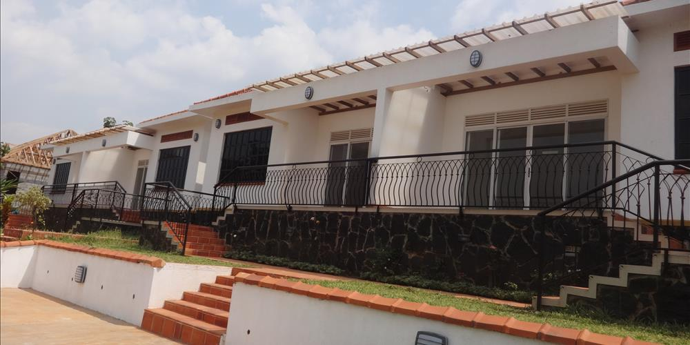 RS1012 Birungi Estate,Kira