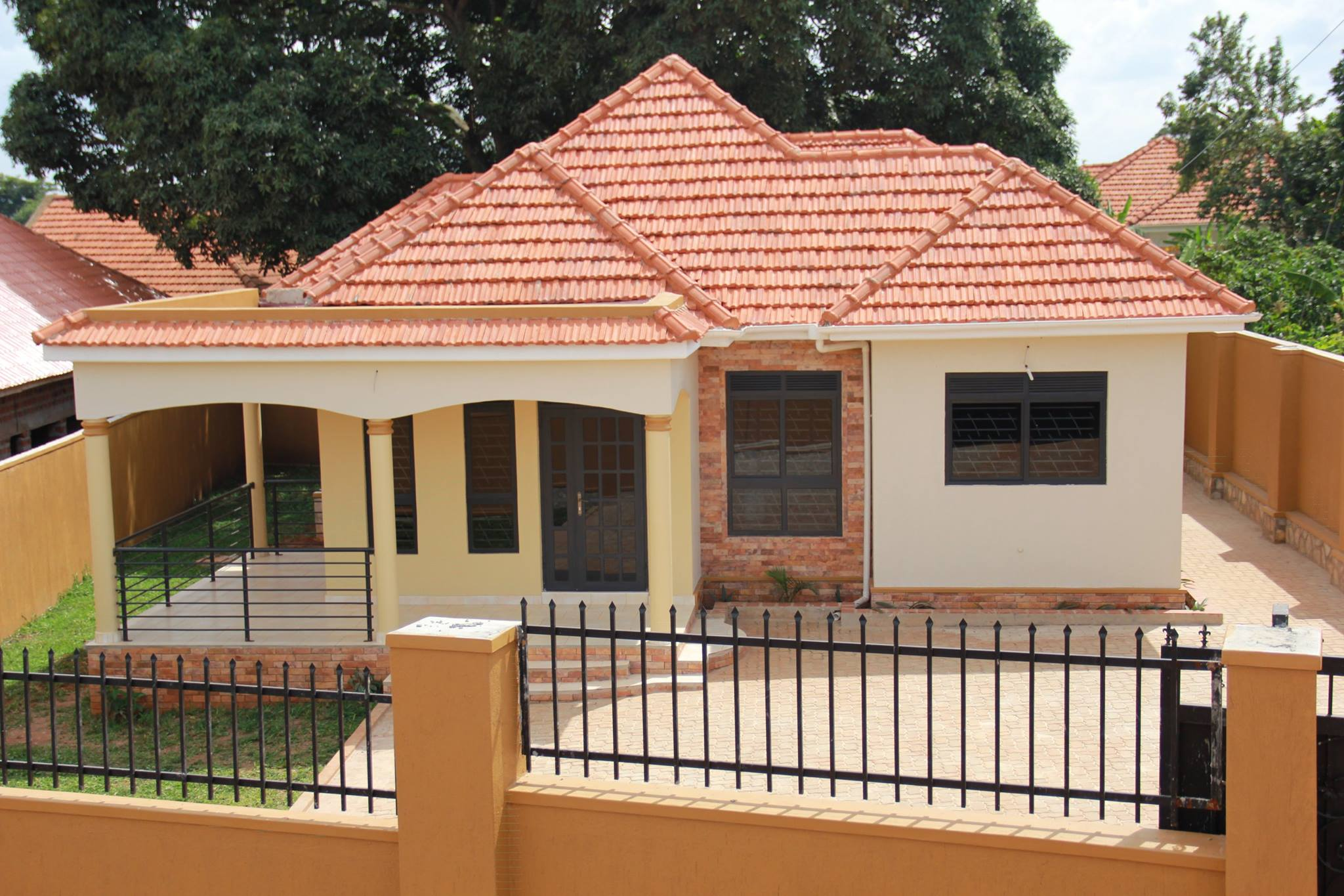 3 bedroom house for sale in entebbe road uganda