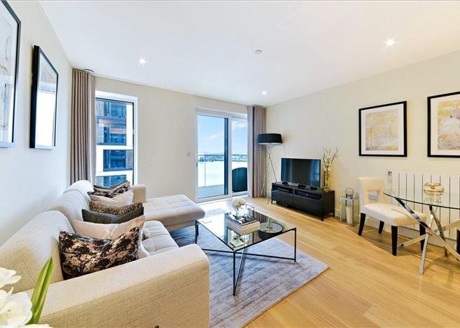 2 Bedroom Flat For In Hampton Apartments Duke Of Wellington Avenue London Se18