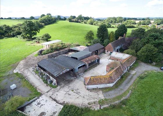 Moat House Farm, Jennett Tree Lane, Callow End, Worcester, WR2