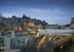 UK Cities: Edinburgh OfficesUK Cities: Edinburgh Offices - Q3 2013